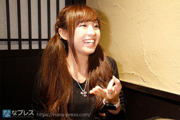 お金を表現する倖田柚希