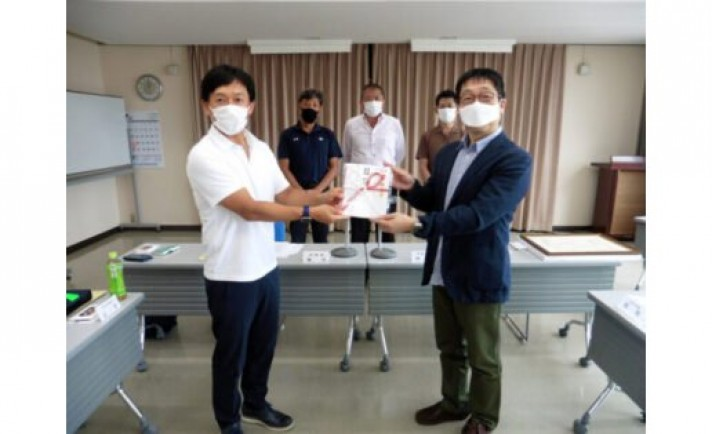 ファン感収益金をフリースクール運営に寄贈 三重県遊協